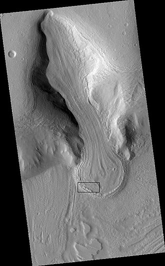 Martian chaos terrain - Image: Wide view of glacier showing image field
