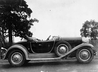 Knight engine - Willys-Knight Great Six roadster, 1929-30