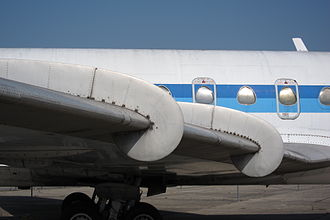 Sud Aviation Caravelle - The triangular windows of the Caravelle remained unaltered throughout its development
