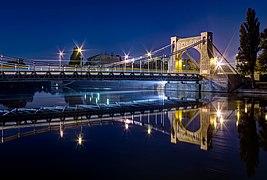 Wroclaw - Most Grunwaldzki w nocy.jpg