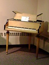 Wurlitzer electric piano - Wikipedia