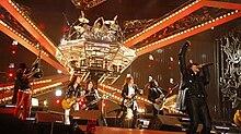 Gli X Japan in Francia nel 2010, con l'ex-bassista della band Taiji Sawada in veste di special guest, deceduto nel luglio 2011.