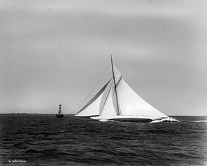 Reliance (yacht) - Reliance passing the Brenton Reef light ship at high speed, 1903. Photograph by Nathaniel Livermore Stebbins.