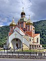 Yaremche new orthodox church (5375-77).jpg