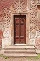 Zamek Grodno - drzwi w budynku bramnym.jpg