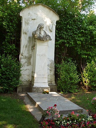Victor Horta - Brahms' grave on the Zentralfriedhof designed by Horta