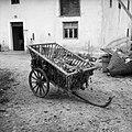 """""""Košula"""" (ročni voz), pri Kalarju, Lepi Dol, Mrzli Log 1959.jpg"""