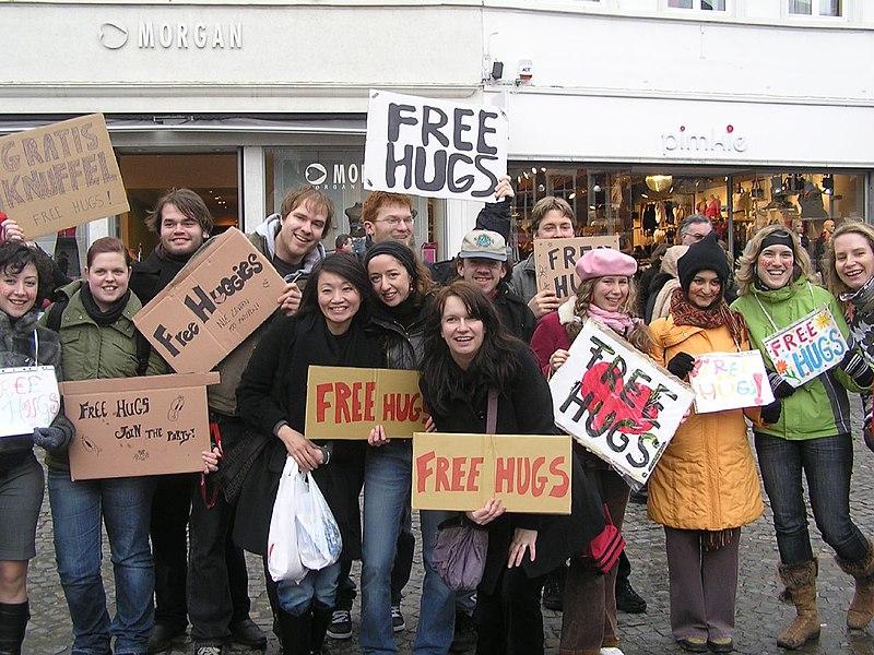 File:'FREE HUGS', Brugge, Belgium.jpg