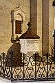 Église abbatiale de Saint Gilles du Gard-Fonts baptismaux-20191029.jpg
