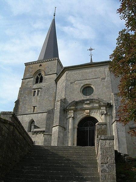 Église de Mont-devant-Sassey - looking to the gate!