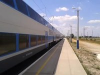 File:Škoda EJ675-02 departs Henichesk station.webm