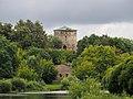 Башня Гремячая и руины кожевенного завода.jpg