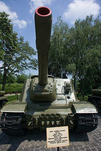 ISU-152 - Front view of ISU-152