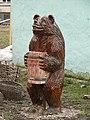 Россия, Великий Новгород, Софийская сторона, ул.Тихвинская,8, медведь, 18-55 18.04.2008 - panoramio.jpg