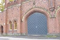 Фридляндские ворота - статуя Равелин.JPG
