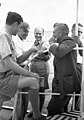 ראש ועדת וונסקופ השוודי סנדסטרום בסיור-שייט על הכנרת עם טדי קולק 1946 btm4861.jpeg