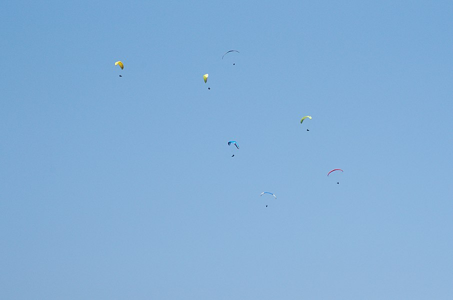 03082013 - Paragliders over Douelle