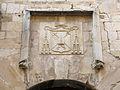 062 Palau episcopal de Tortosa, façana c. Cruera, escut.JPG