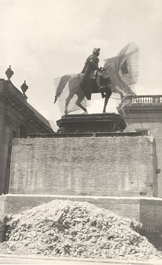 Equestrian statue of Frederick the Great - Removal of wartime cement casing, May 1950