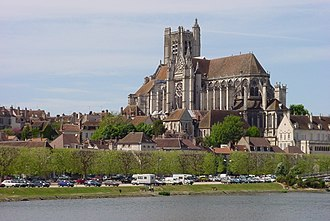 Yonne - Image: 1240 Auxerre