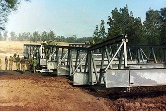 17th Construction Squadron (Australia) - Constructing a Transfield heavy girder bridge