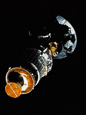 Unmanned spacecraft - Galileo space probe, prior to departure from Earth orbit in 1989