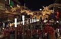 2013-12-06 Santa Run, 2. Weihnachtsmannlauf in Hannover (40) rund 300 Nikoläuse laufen vom Ernst-August-Platz durch die Bahnhofstraße über die Niki-de-Saint-Phalle-Promenade und dann zur Luisenstraße.jpg