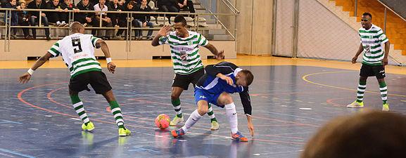 2015-02-28 17-22-07 futsal.jpg