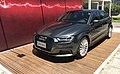 Aéroport Olbia - Audi e-tron en expo.JPG