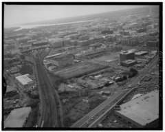 AERIAL VIEW SOUTHWEST ALONG DELAWARE AVENUE CORRIDOR FROM FLORIDA AVENUE, NE. - Delaware Avenue, Washington, District of Columbia, DC HABS DC,WASH,592-5.tif