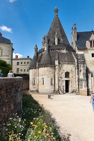 File:Abbaye Fontevraud - Cuisines.jpg