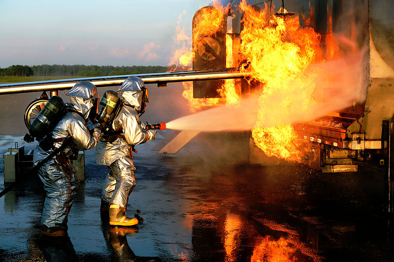 File:Aircraft Rescue, Firefighting Marines hone techniques 140814-M-BN069-063.jpg