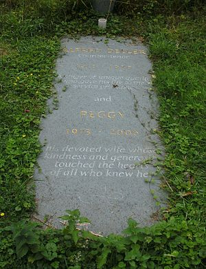Alfred Deller - Alfred Deller's grave at All Saints' Church, Boughton Aluph