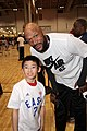 All-Star Game Weekend Aaron meeting 5x NBA Champ (Chicago Bulls and LA Lakers) Ron Harper at NBA All-Star Weekend Center Court 2016 (24409794423).jpg