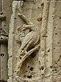 Amagne (Ardennes) église, portail, détail sculpture 01.JPG