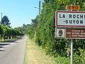 Arrivée à La Roche Guyon - panoramio.jpg