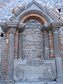 Artifacts at Felix Romuliana, stone and brick arched gateway. Serbia.jpg