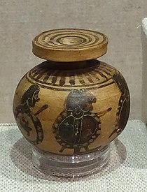 Aryballos depicting marching warriors, oil jar, Corinthian, 575-550 BC, terracotta - Spurlock Museum, UIUC - DSC05697.jpg