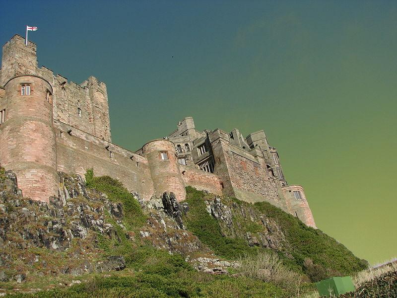 File:Bamburgh Castle 07.jpg