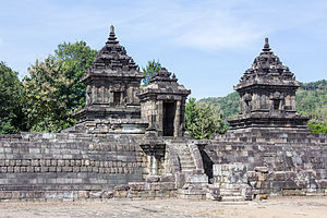 Barong Temple - The gate of Barong temple and its two main buildings