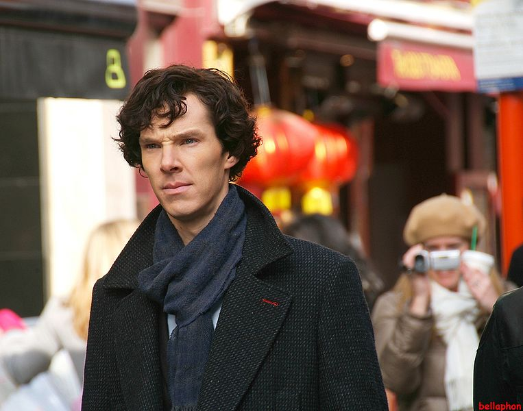 File:Benedict Cumberbatch filming Sherlock.jpg