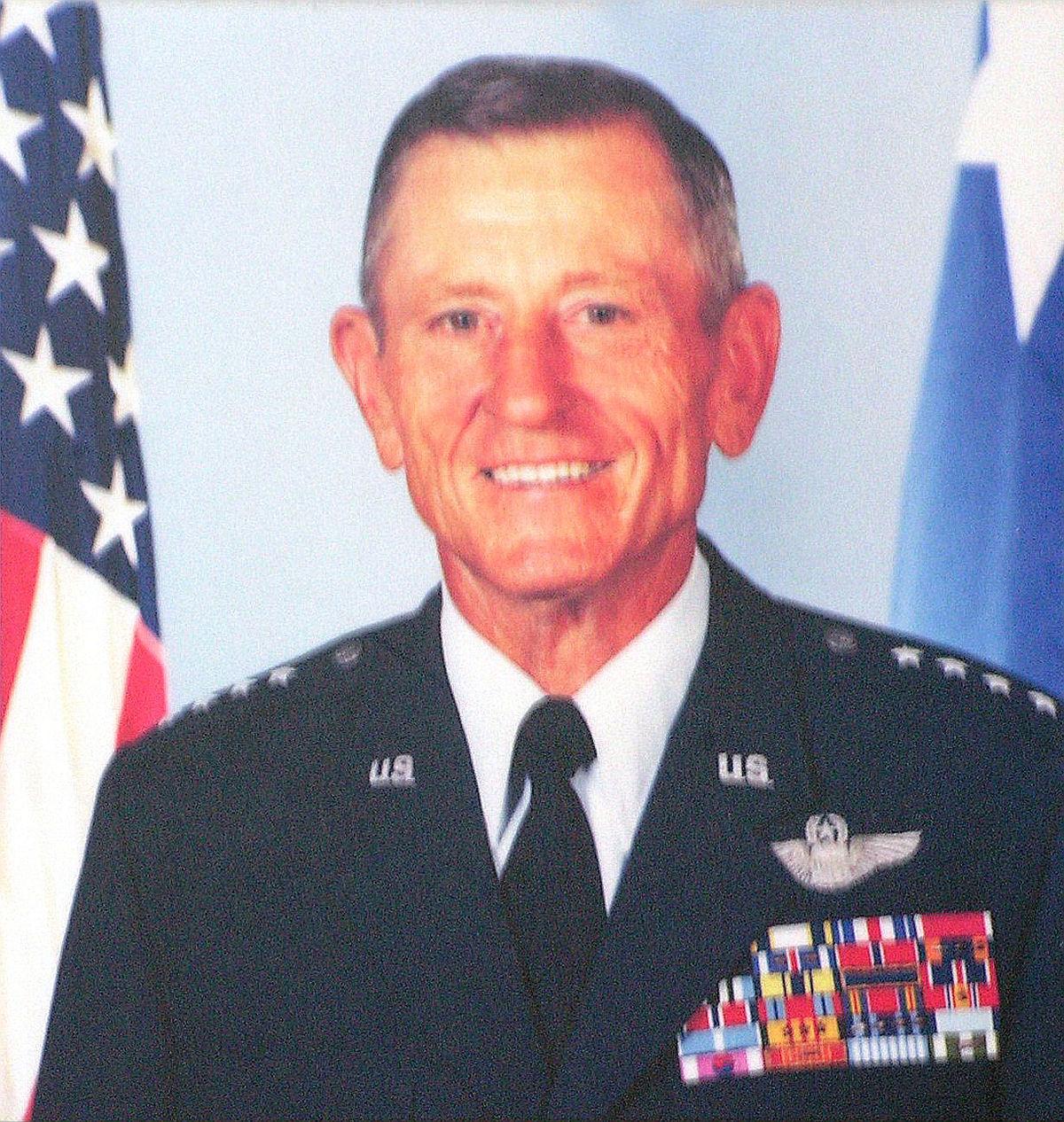 Bennie L. Davis - Wikipedia