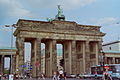 Berlin Brandenburger Tor 1998.jpg