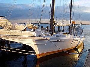 Chesapeake Bay Maritime Museum - Log-bottom Bugeye