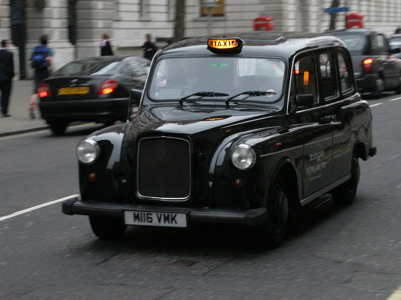 جولة في مدينة الضباب ( لندن ) 800px-Black_London_Cab.jpg