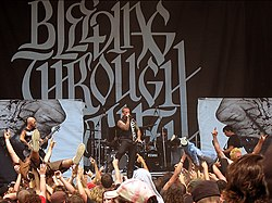 Bleeding Through live på Ozzfest 2006.