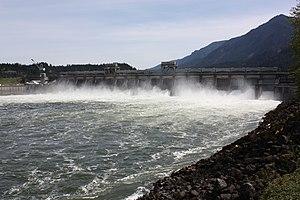 Bonneville Dam - Spillway structure