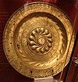 Bottega toscana, piatto per elemosine, 1510 ca., in ottone.jpg