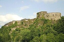 Bouillon (Belgique); vue de la partie occidentale du château-fort (XIIIe–XIX siècles)
