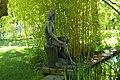 Bronzeplastik Frauenfigur am Wasser (Johanna Keller 1952) 05.jpg
